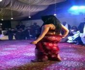 Beautiful girl hot mujra hot style on wedding new video 2019<br/><br/><br/>Beautiful girl hot mujra hot style on wedding new video 2019